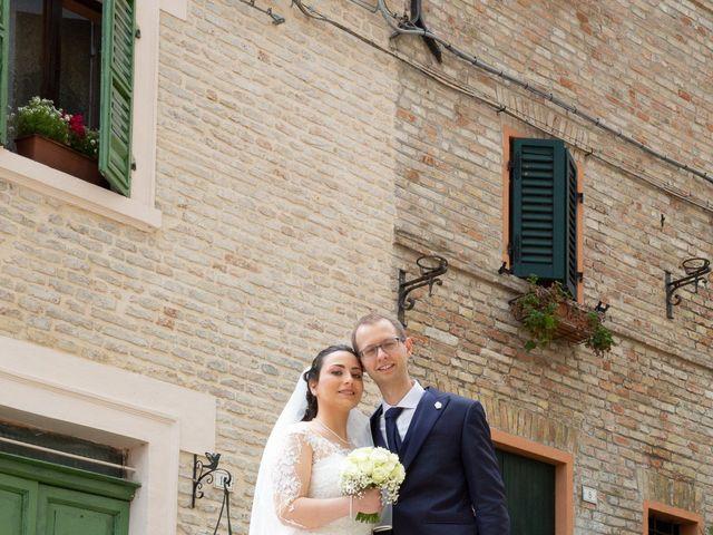 Il matrimonio di Christian e Raffaela a Corinaldo, Ancona 5