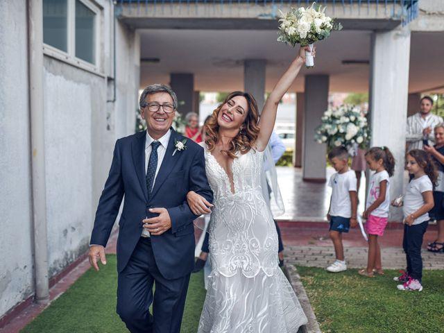 Il matrimonio di Chiara e Vincenzo a Pomigliano d'Arco, Napoli 28