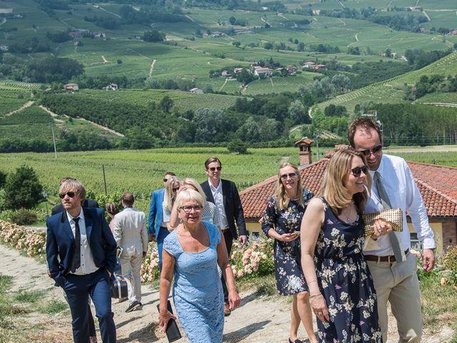 Il matrimonio di Jarle e Hedvig a La Morra, Cuneo 29