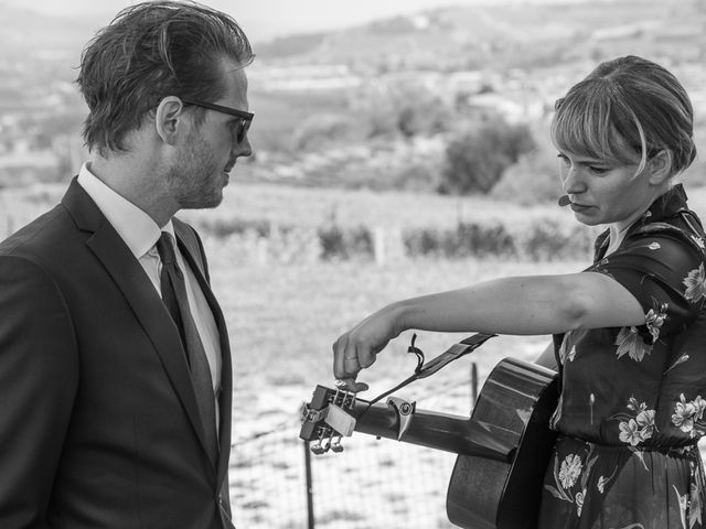 Il matrimonio di Jarle e Hedvig a La Morra, Cuneo 36