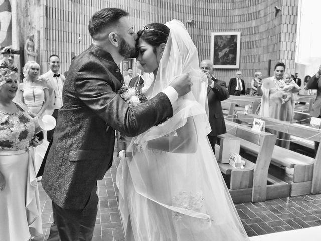 Il matrimonio di Maria e Alessio a Foggia, Foggia 12