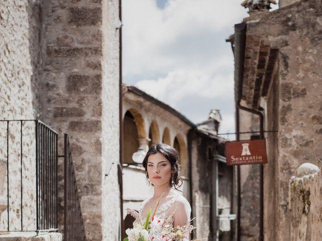 Il matrimonio di Graig e Clare a Calascio, L'Aquila 33
