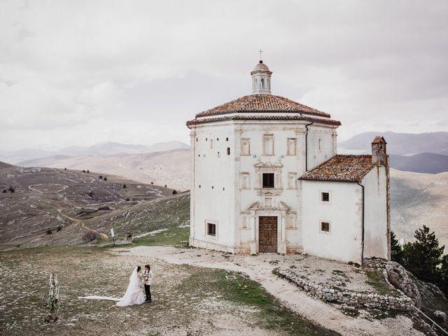 Il matrimonio di Graig e Clare a Calascio, L'Aquila 1
