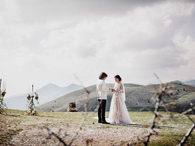 Il matrimonio di Graig e Clare a Calascio, L'Aquila 56