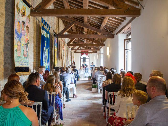 Il matrimonio di James e Freya a Servigliano, Fermo 17