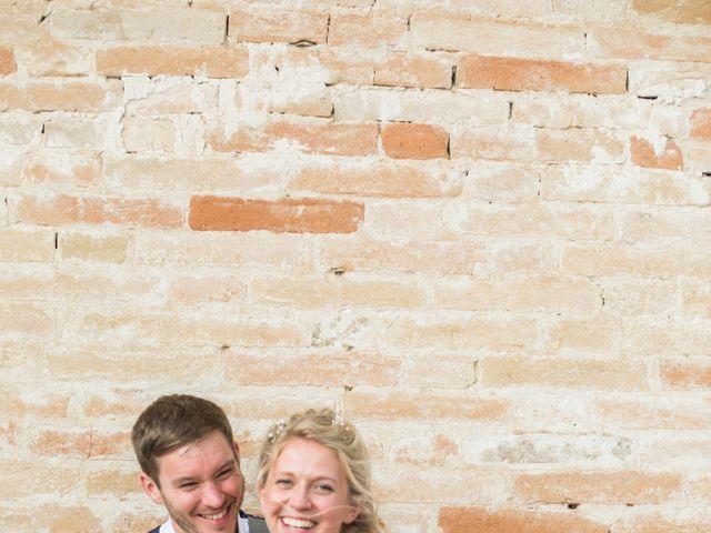 Il matrimonio di James e Freya a Servigliano, Fermo 27