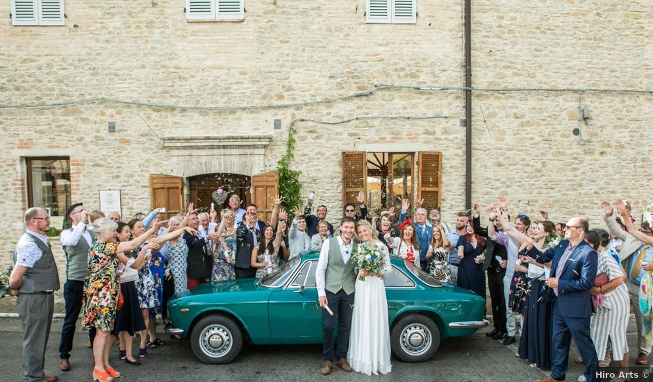 Il matrimonio di James e Freya a Servigliano, Fermo