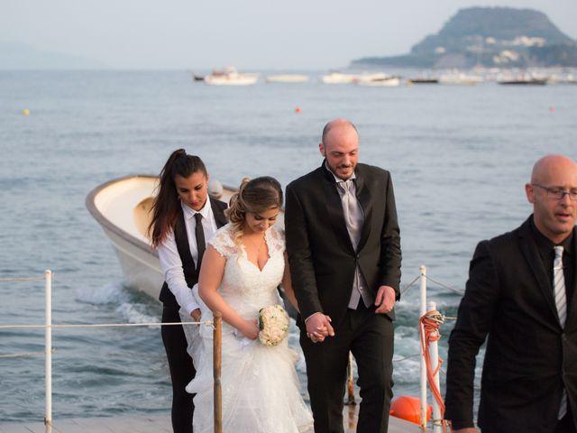 Il matrimonio di Salvatore e Rossella a Pozzuoli, Napoli 25