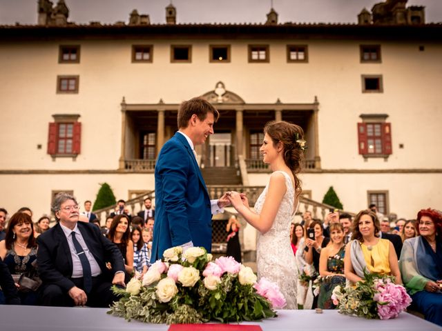 Il matrimonio di Mariano e Marina a Prato, Prato 16