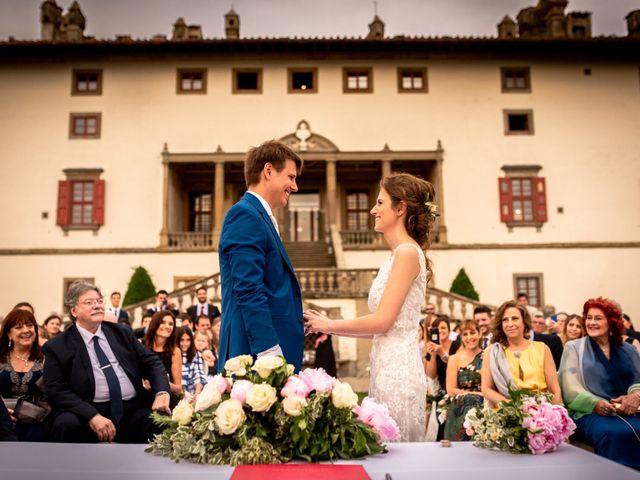 Il matrimonio di Mariano e Marina a Prato, Prato 19