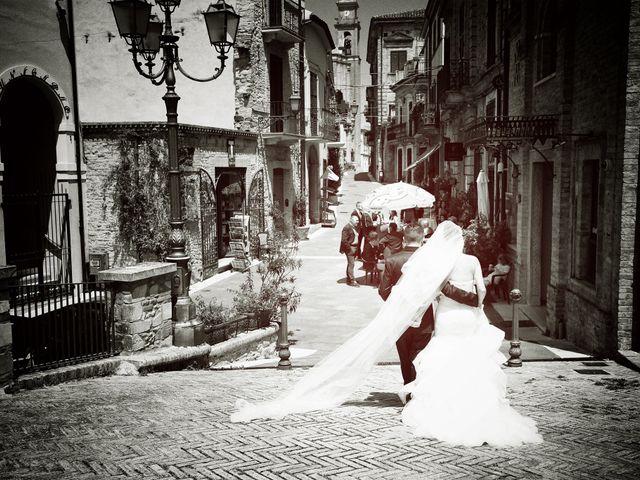 Il matrimonio di Leo e Luisa a Crecchio, Chieti 16