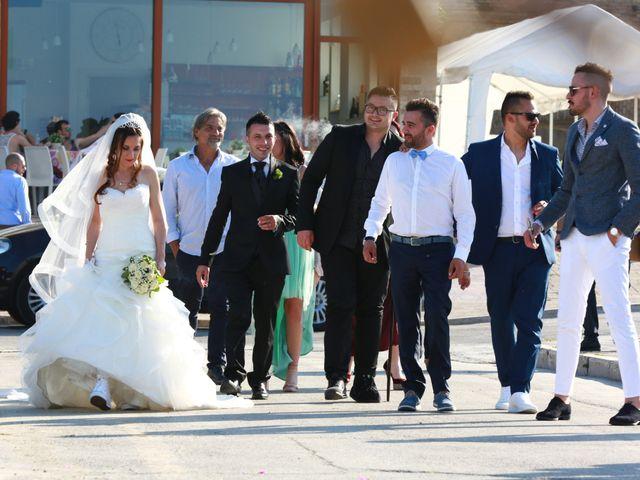 Il matrimonio di Leo e Luisa a Crecchio, Chieti 17