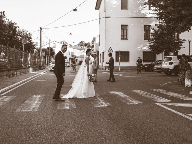 Il matrimonio di Giuseppe e Vanessa a Ostiglia, Mantova 25