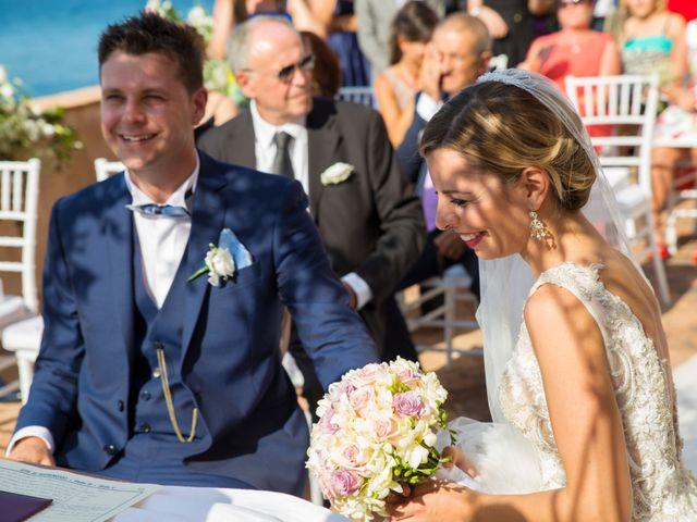 Il matrimonio di Valerio e Anna a Castellammare del Golfo, Trapani 14