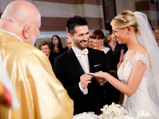 Il matrimonio di Marco e Roberta a Mosciano Sant'Angelo, Teramo 14
