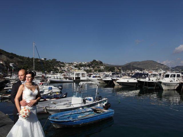 Il matrimonio di nino e anna a Bacoli, Napoli 19
