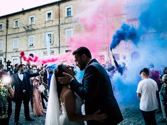 Il matrimonio di Elizabeth e Davide a Offida, Ascoli Piceno 19