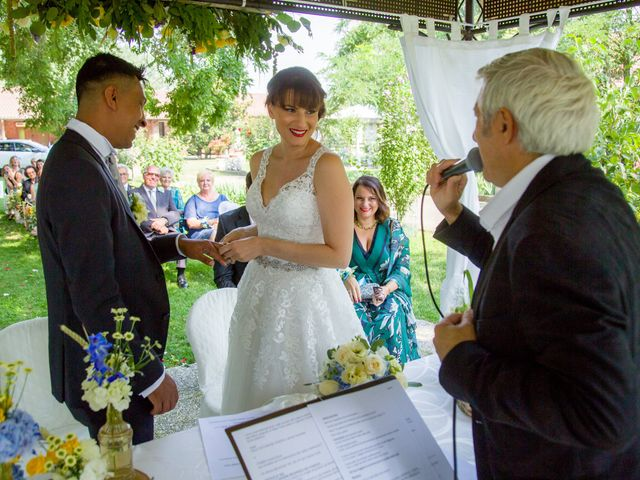 Il matrimonio di Lucky e Giulia a Scaldasole, Pavia 17