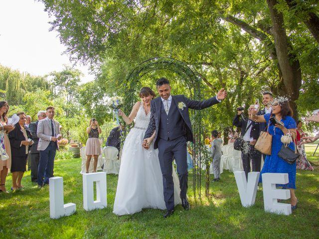 Il matrimonio di Lucky e Giulia a Scaldasole, Pavia 19