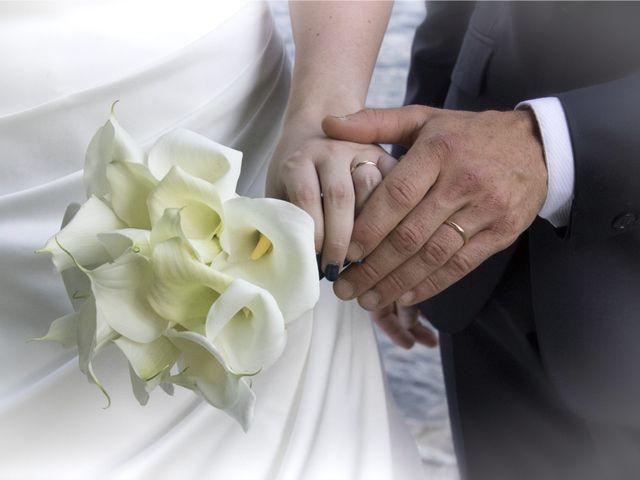 Il matrimonio di Francesco e Emanuela a Dongo, Como 40