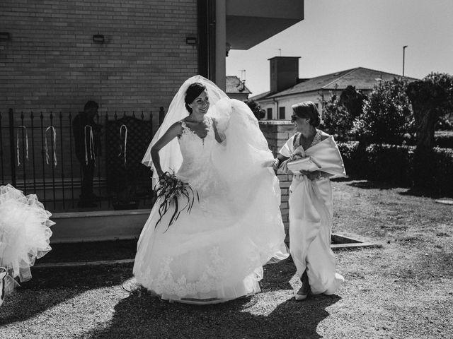 Il matrimonio di Valentina e Francesco a Fiastra, Macerata 41