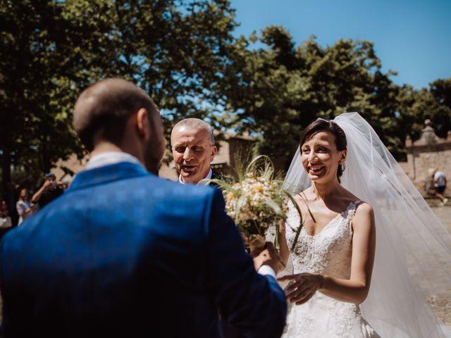 Il matrimonio di Valentina e Francesco a Fiastra, Macerata 59