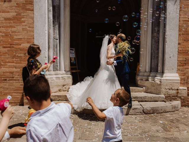 Il matrimonio di Valentina e Francesco a Fiastra, Macerata 93