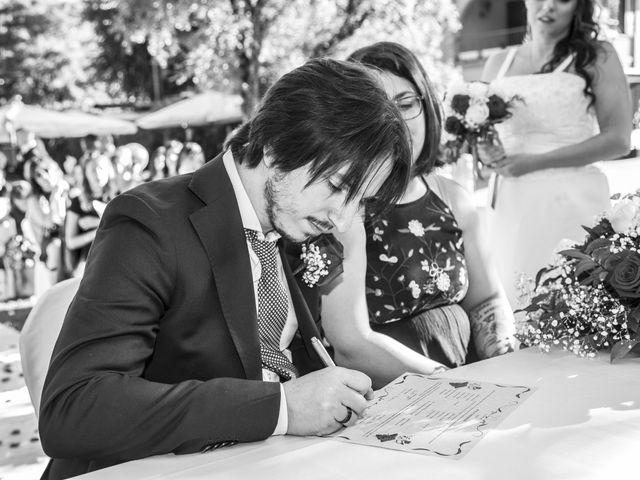 Il matrimonio di Gianluca e Daniela a Cogliate, Monza e Brianza 17