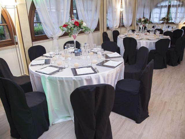 Il matrimonio di Gianluca e Daniela a Cogliate, Monza e Brianza 27