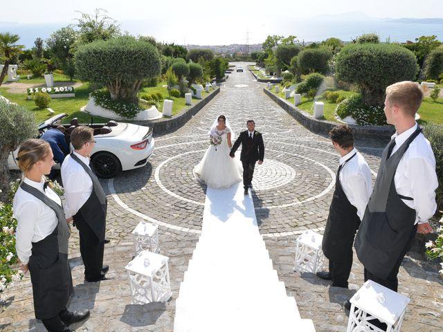 Il matrimonio di Ester e Leandro a Vietri sul Mare, Salerno 23