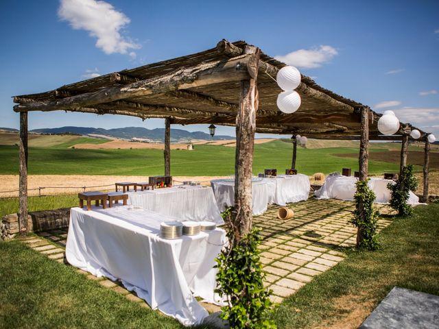 Il matrimonio di Ivan e Jasmin a Castiglione d'Orcia, Siena 35