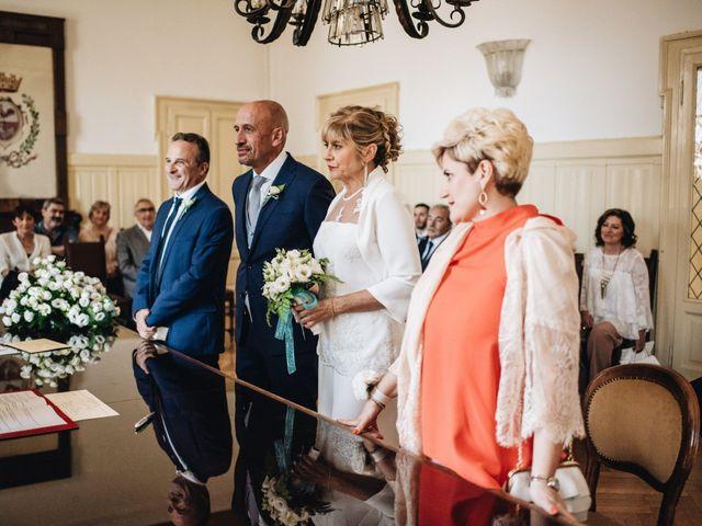 Il matrimonio di Roberto e Maura a Golasecca, Varese 17