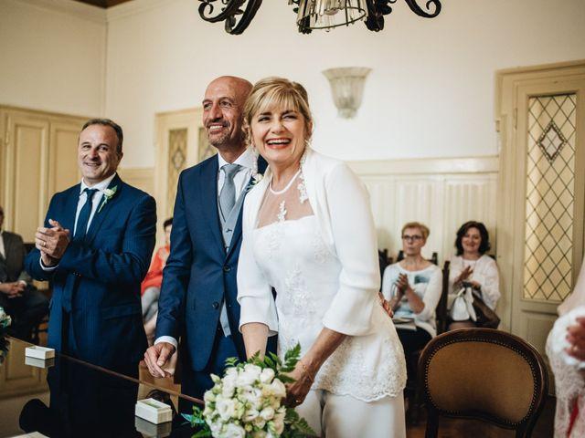 Il matrimonio di Roberto e Maura a Golasecca, Varese 20