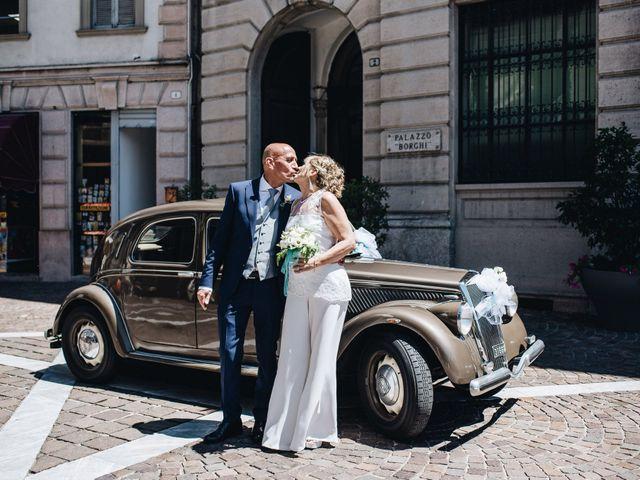 Il matrimonio di Roberto e Maura a Golasecca, Varese 30