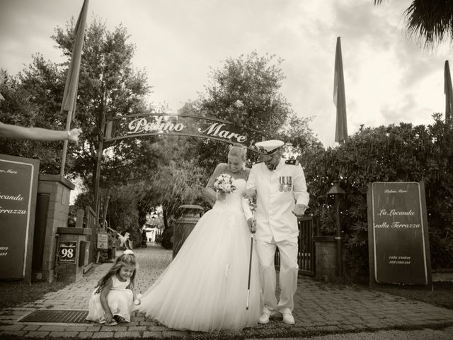 Il matrimonio di Serena e Luigi a Massa, Massa Carrara 20
