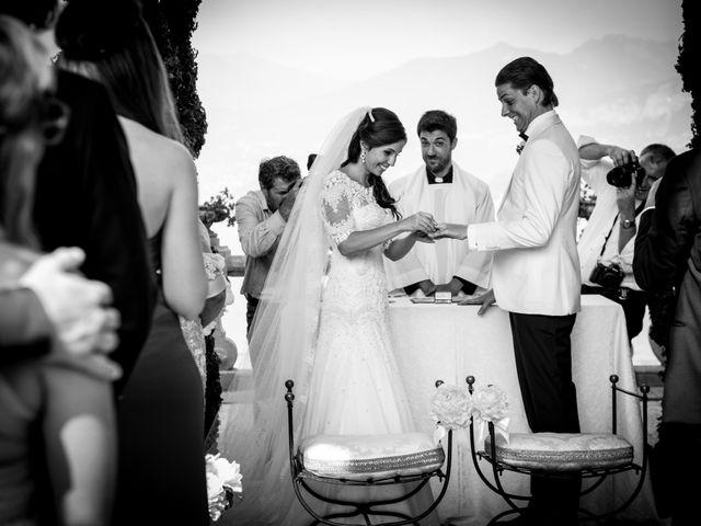 Il matrimonio di MAtthias e Beatriz a Lenno, Como 16