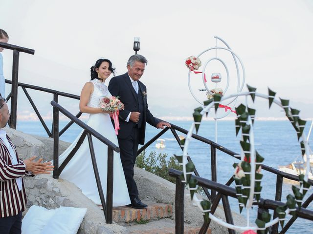 Il matrimonio di Pau e Giovanna a Maiori, Salerno 25