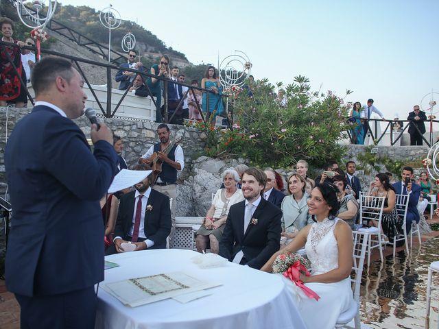 Il matrimonio di Pau e Giovanna a Maiori, Salerno 33