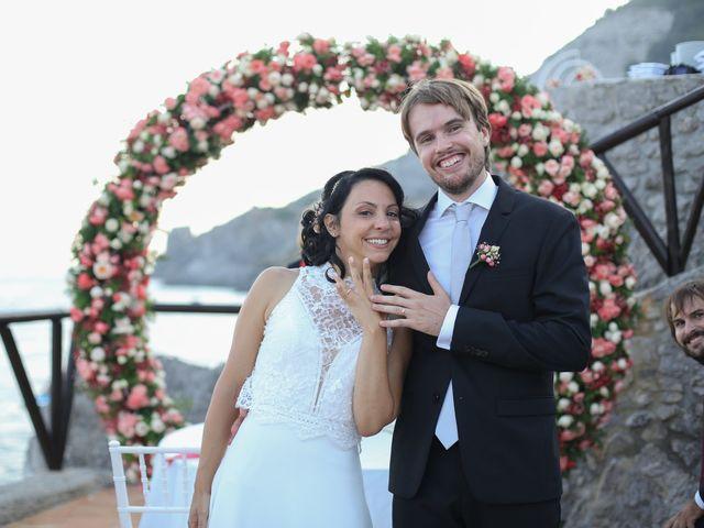 Il matrimonio di Pau e Giovanna a Maiori, Salerno 38
