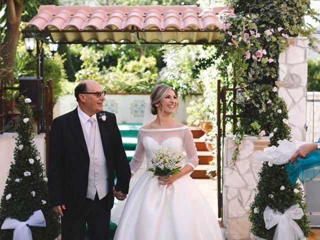 Il matrimonio di Davide e Michela a Torre del Greco, Napoli 13