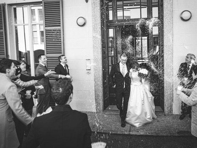 Il matrimonio di Andrea e Tiziana a Cermenate, Como 43
