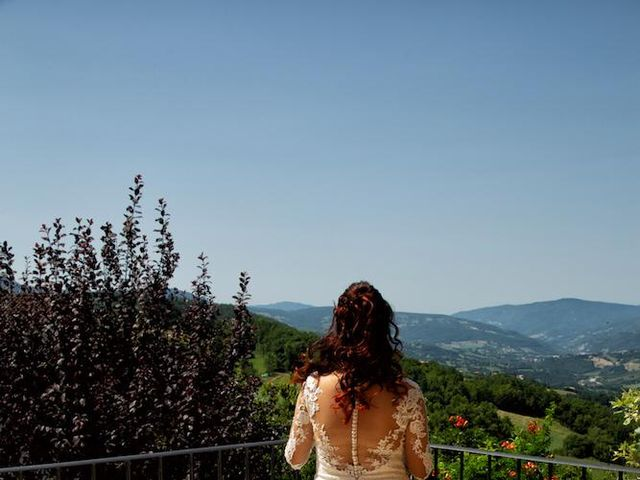 Il matrimonio di Alberto e Giulia a Maiolo, Pesaro - Urbino 33