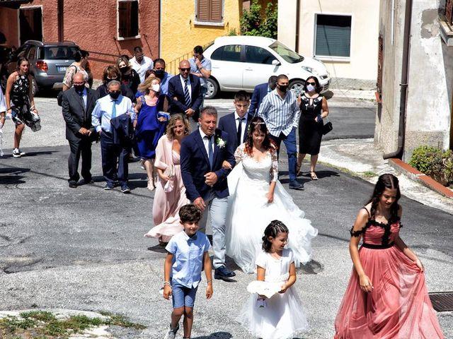 Il matrimonio di Alberto e Giulia a Maiolo, Pesaro - Urbino 35