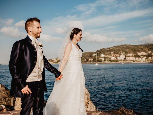 Il matrimonio di Michail e Roberta a Porto Santo Stefano, Grosseto 42