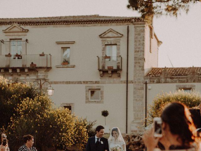 Il matrimonio di Dario e Federica a Vizzini, Catania 103
