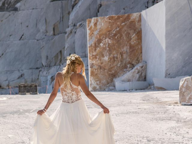 Il matrimonio di Gabriele e Giulia a Carrara, Massa Carrara 76