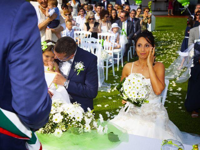 Il matrimonio di Cristiano e Silvia a Besozzo, Varese 9