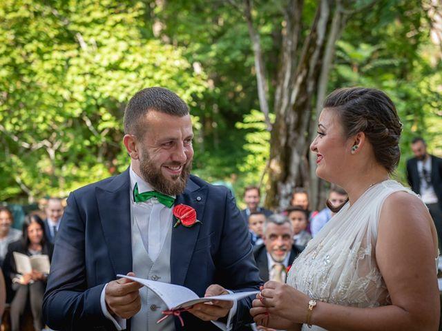 Il matrimonio di Vittoria e Jonathan a Palazzuolo sul Senio, Firenze 20