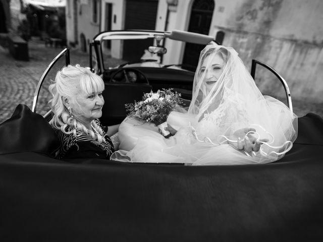 Il matrimonio di Emanuele e Hanna a Sermoneta, Latina 24