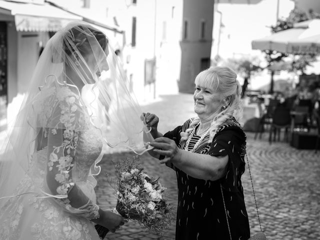 Il matrimonio di Emanuele e Hanna a Sermoneta, Latina 26